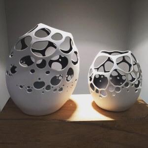 Duo de comète, création du Passage Secret, atelier de porcelaine à Champnétery
